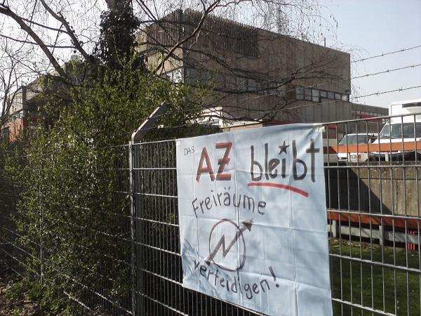 AZ-Solidarität vor Uni-Mensa