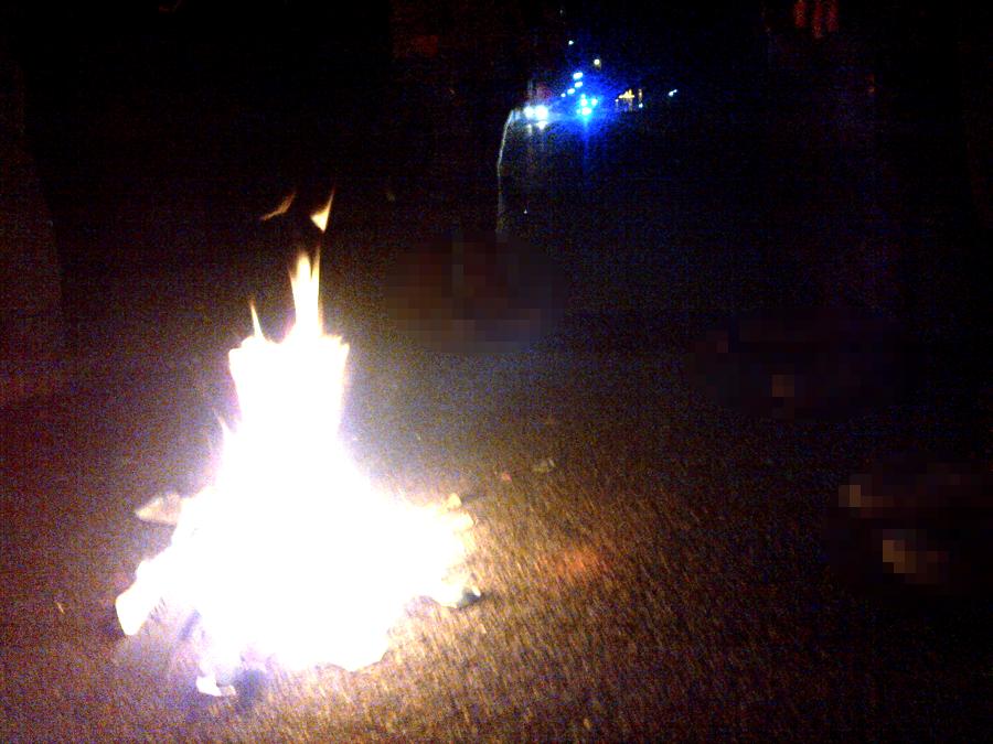 Feuerwerk vor dem Gefängnis